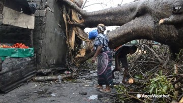 Mozambique officials say more than 90 percent of Beira may be destroyed after cyclone
