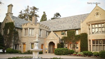 Ex-Playmate Turned Ghosthunter Says Playboy Mansion is Haunted