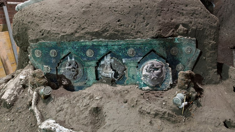 Intact ceremonial chariot unearthed near Pompeii