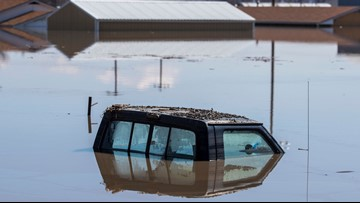 Flooded Iowa communities surviving with trucked-in water