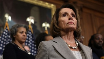 Pelosi asks Trump to delay State of the Union