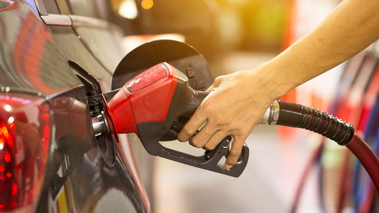 Average US price of gas jumps 8 cents per gallon to $3.10