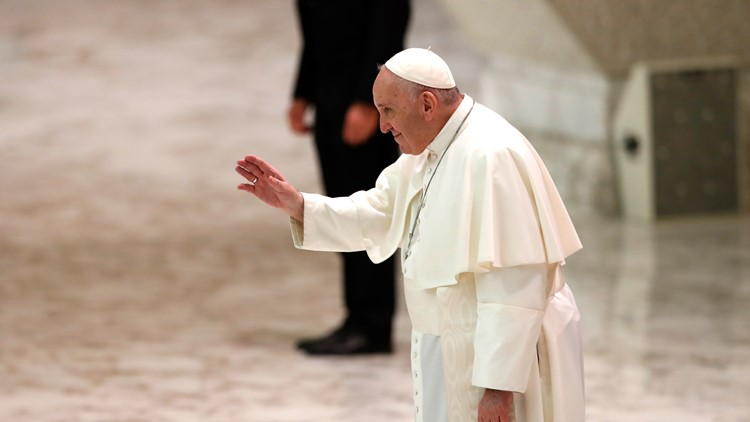Pope returns to private library for audience as coronavirus surges