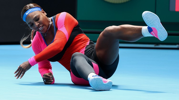 Down but not out, Serena Williams into Australian Open quarterfinals