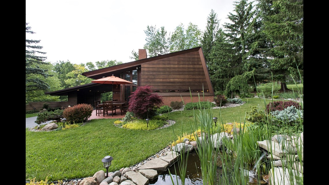 This Frank Lloyd Wright House Is A Small Masterpiece