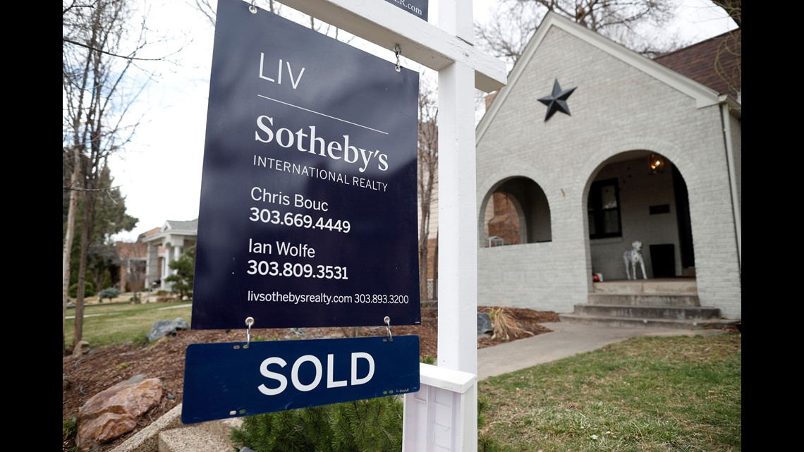 US home sales fall 2.5% in April, Mortgage rates hit 7 ...