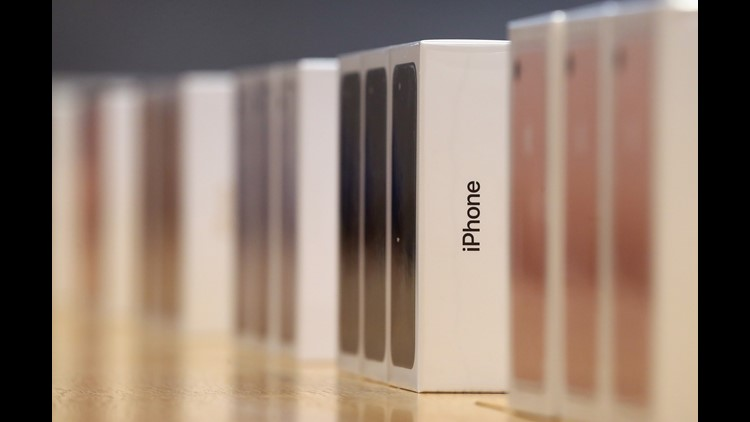 BERLIN, GERMANY - SEPTEMBER 16: Boxes containing the new iPhone 7 stand lined up for customers at the Berlin Apple store on the first day of sales of the new phone on September 16, 2016 in Berlin, Germany. The new phone comes in two sizes, one with a 4.7 inch display, the other with a 5.5 inch display. (Photo by Sean Gallup/Getty Images)