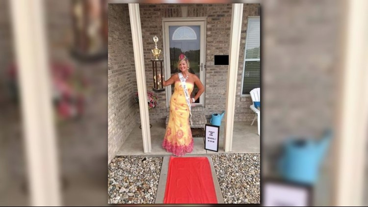 The O'Fallon, Ill. mother rolled out the red carpet—not only for her kids—but for herself as well.
