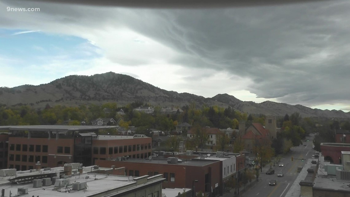 Look at the wave cloud that's hanging above Denver