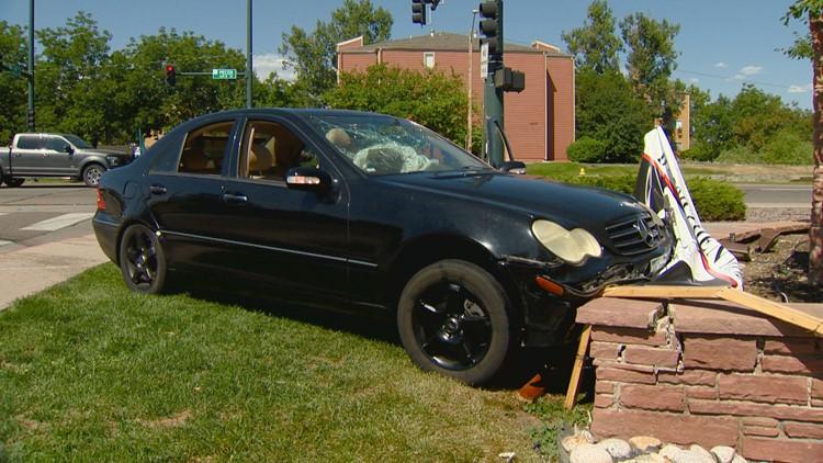 Teen in custody following pursuit, crash in Adams County