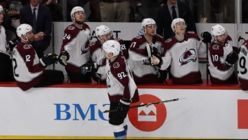 Compher scores twice, Avs beat Blackhawks 5-3