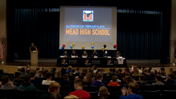 Mead student-athletes sign National Letters of Intent