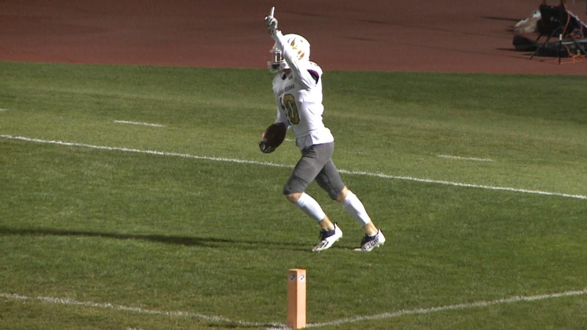 Palmer Ridge football takes down Lakewood on the road