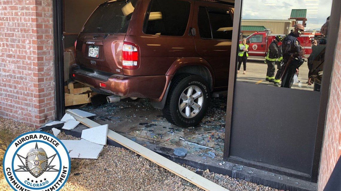 5 injured after car crashes into Aurora IHOP | 9news com
