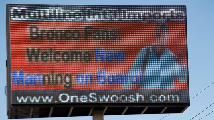 Broncos Manning Football