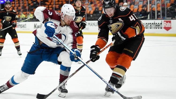 Jonas Johansson gets 1st shutout, Avalanche edge Ducks 2-0