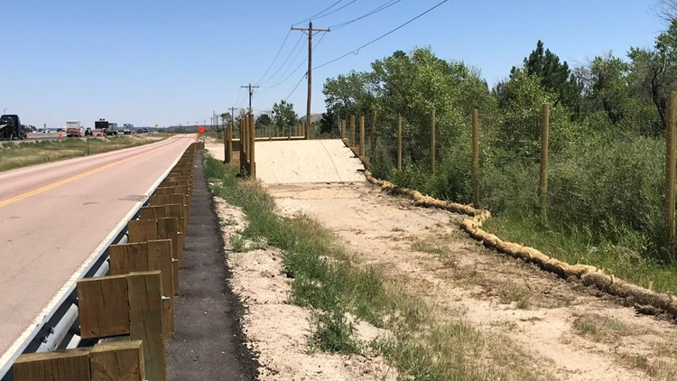 I-25 getting 16 miles of fencing to reduce wildlife collisions