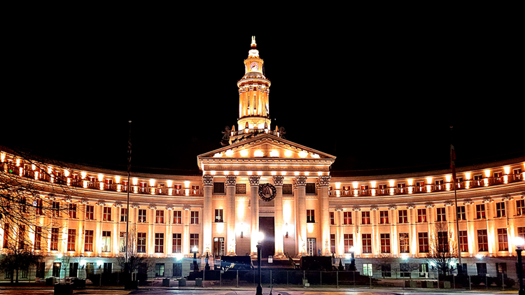 COVID-19 victims honored with Denver City and County Building lighting