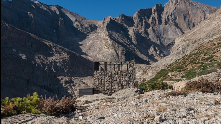 Longs Peak bathroom 2
