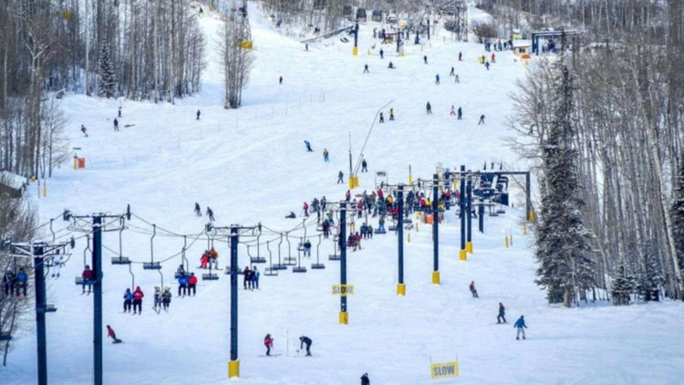 Skier dies in accident at Sunlight Mountain
