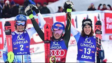 Shiffrin wins WCup slalom to match Vonn's discipline mark