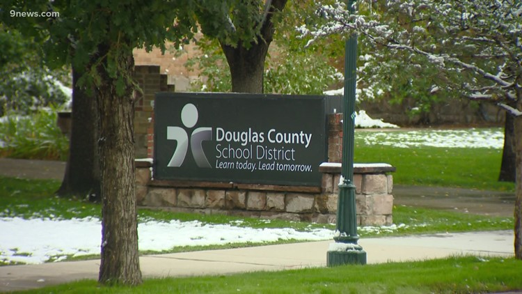 5 DougCo schools return to remote learning after COVID-19 outbreaks