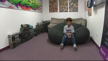 7-year-old challenges Denver officer to dance-off on 16th Street Mall