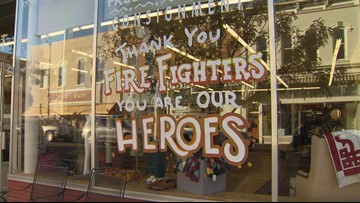 'Firefighters are our heroes' | Community says thank you to 800 people battling Decker Fire