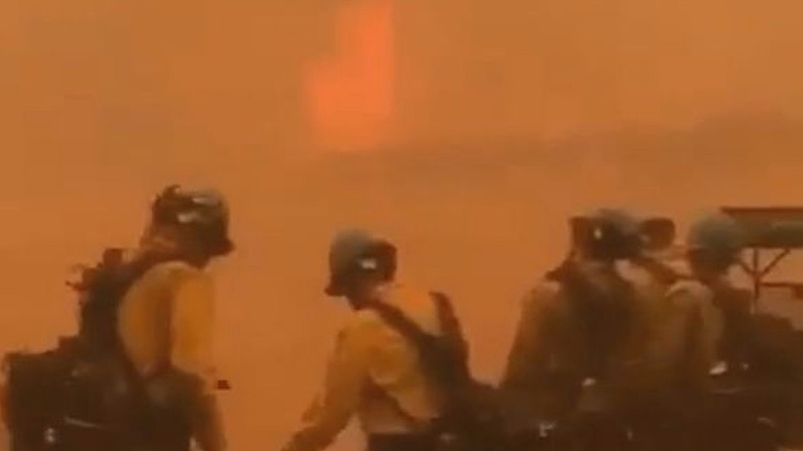 Video shows wind creating Cameron Peak Fire conditions so unsafe firefighters, machines can't get closer thumbnail