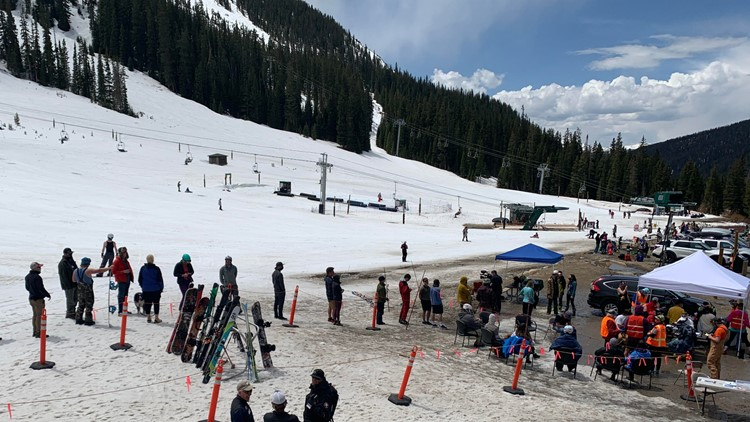 Shots on Skis: Arapahoe Basin hosts vaccine clinic on the slopes