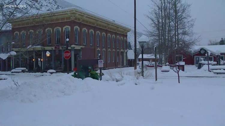 Mountain towns digging out after snowstorm