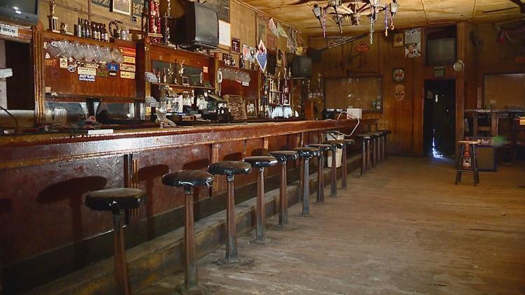 Inside the Old Dillon Inn