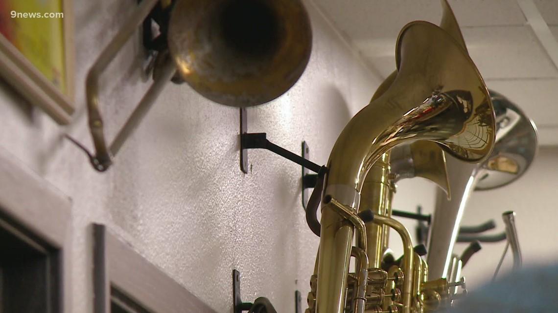 "Music repair shop hosts ""School Secret Santa"" for area schools"