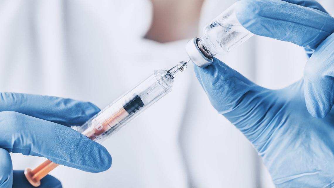 Preguntas frecuentes: ¿Puedo ponerme la vacuna contra la gripe y la vacuna de COVID al mismo tiempo?