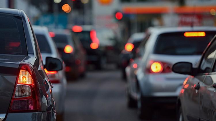 Crash closes I-70 westbound lanes, Friday morning