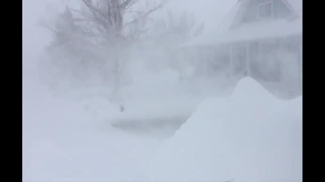 Hurricane-force winds from Eastern Plains blizzard close highways