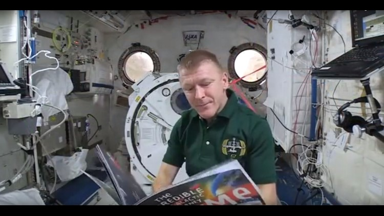 Astronauts read to kids from space