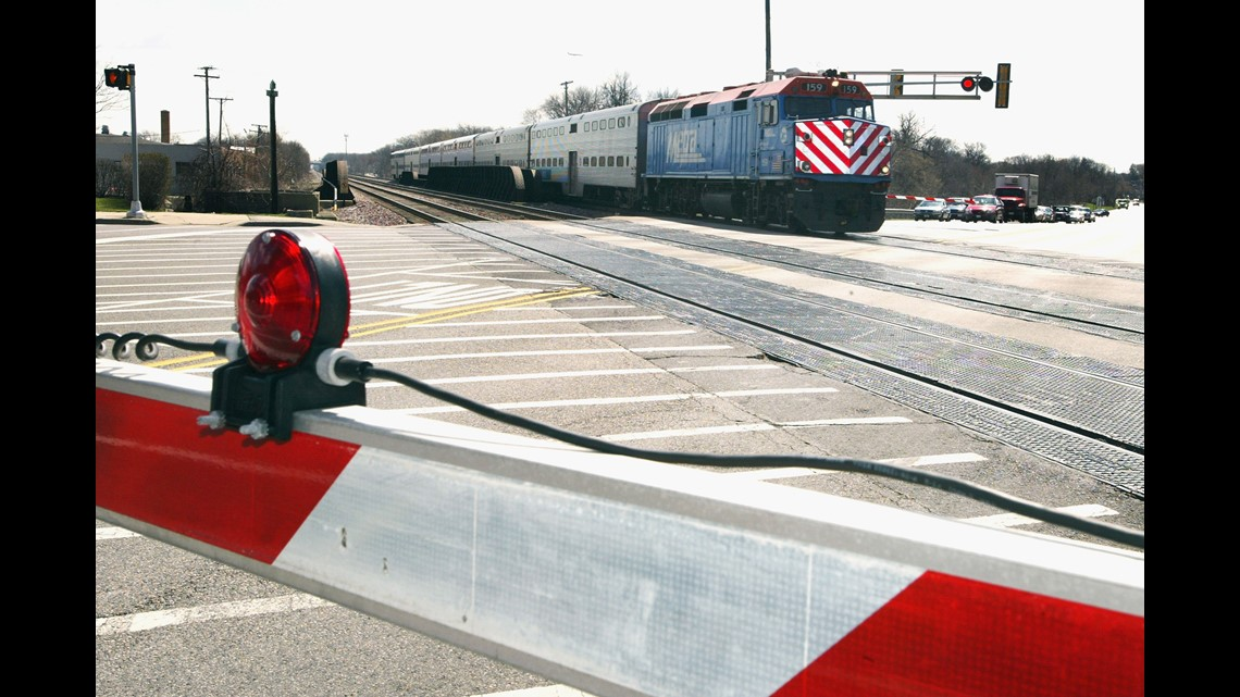 A look at the railroad job offering a $20,000 hiring