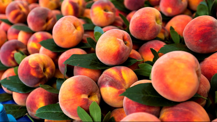 farmers market fruit peaches cropped 2