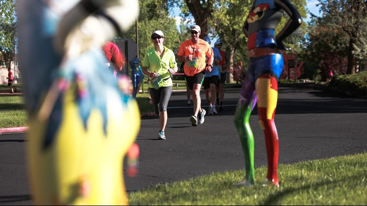Runners, you're not seeing things. Those really are beautiful headless mannequins.