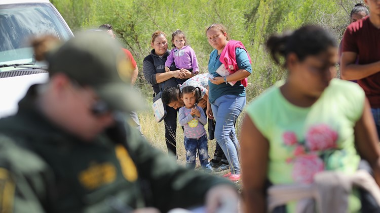 Congress struggles to end family separations at border