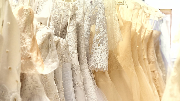 wedding gowns bridal shows brides