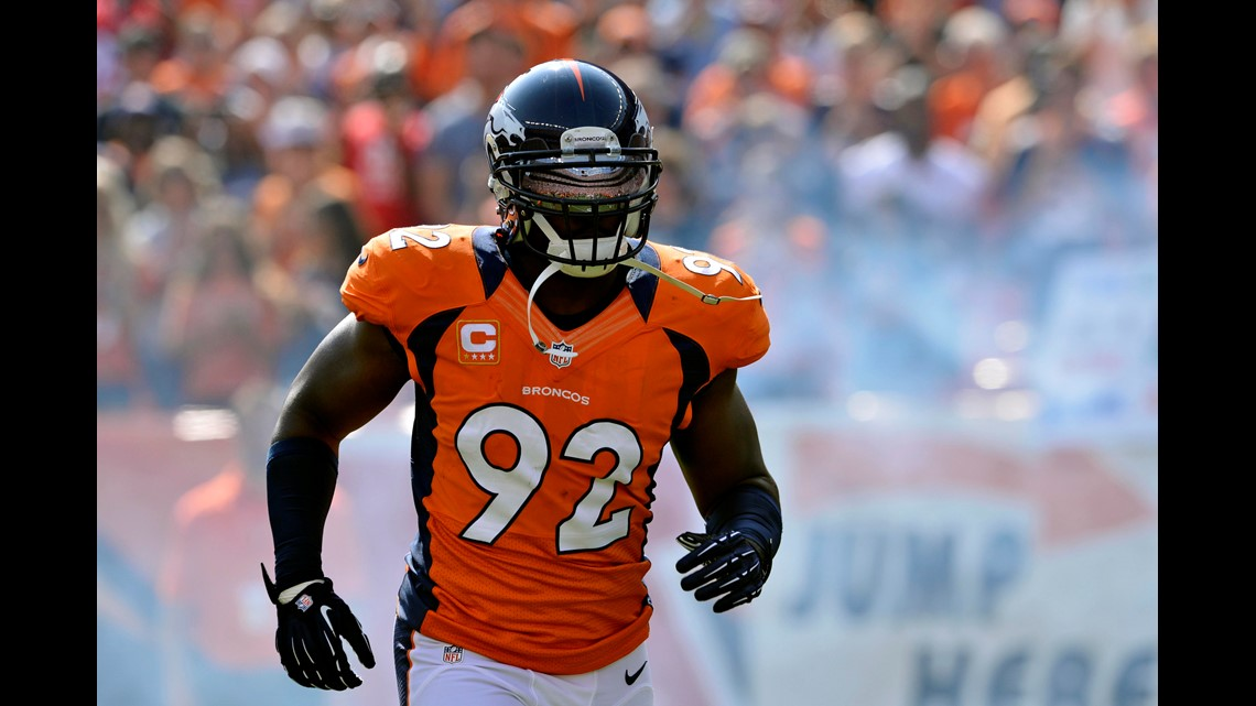 db77b996 Former Bronco Elvis Dumervil retires after 12 years in NFL | 9news.com