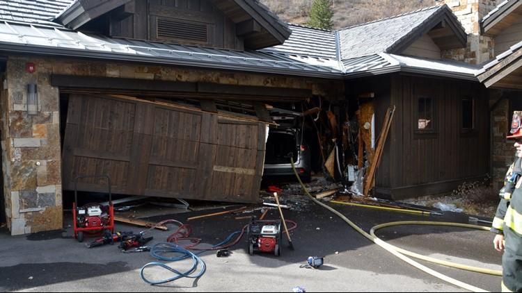 2 People Dog Injured After Car Crashes Into Garage Sparks Fire In Edwards 9news