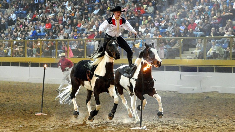 Taylor Cooper Roman Riding splits fire torches at Horsecapades World-Famous Westernaires