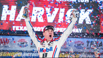 Kevin Harvick dominates Texas playoff race to clinch berth in NASCAR final four
