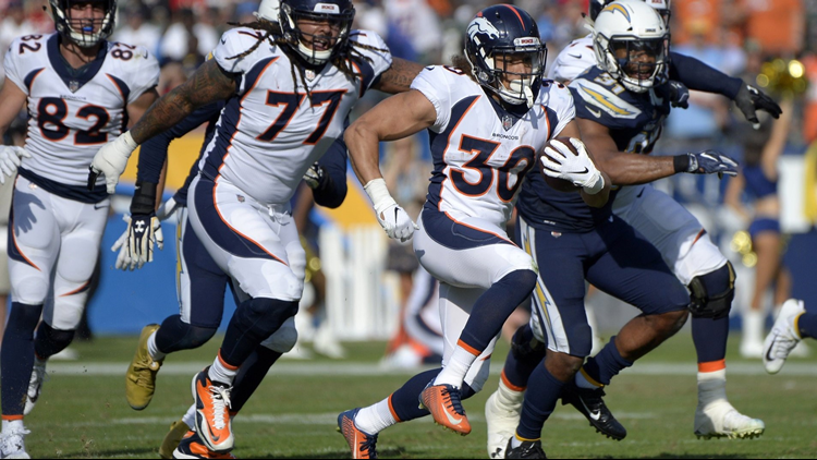 Wadman fake punt, Von Miller pick help Broncos to 20-19, fourth quarter lead against Chargers