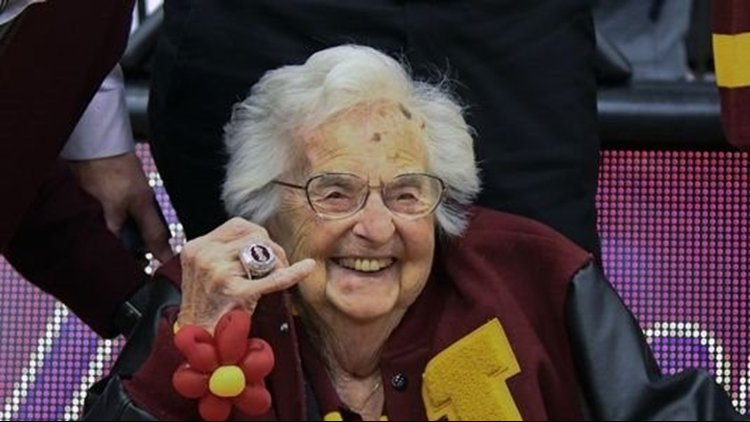 Loyola-Chicago presents Final Four ring to Sister Jean