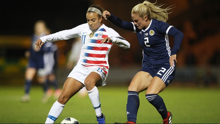 Mallory Pugh of United States vies with Kirsty Smith of Scotland during the Women's International Friendly match between Scotland and U.S.