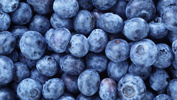 3 summer fruits that can enhance your sports performance